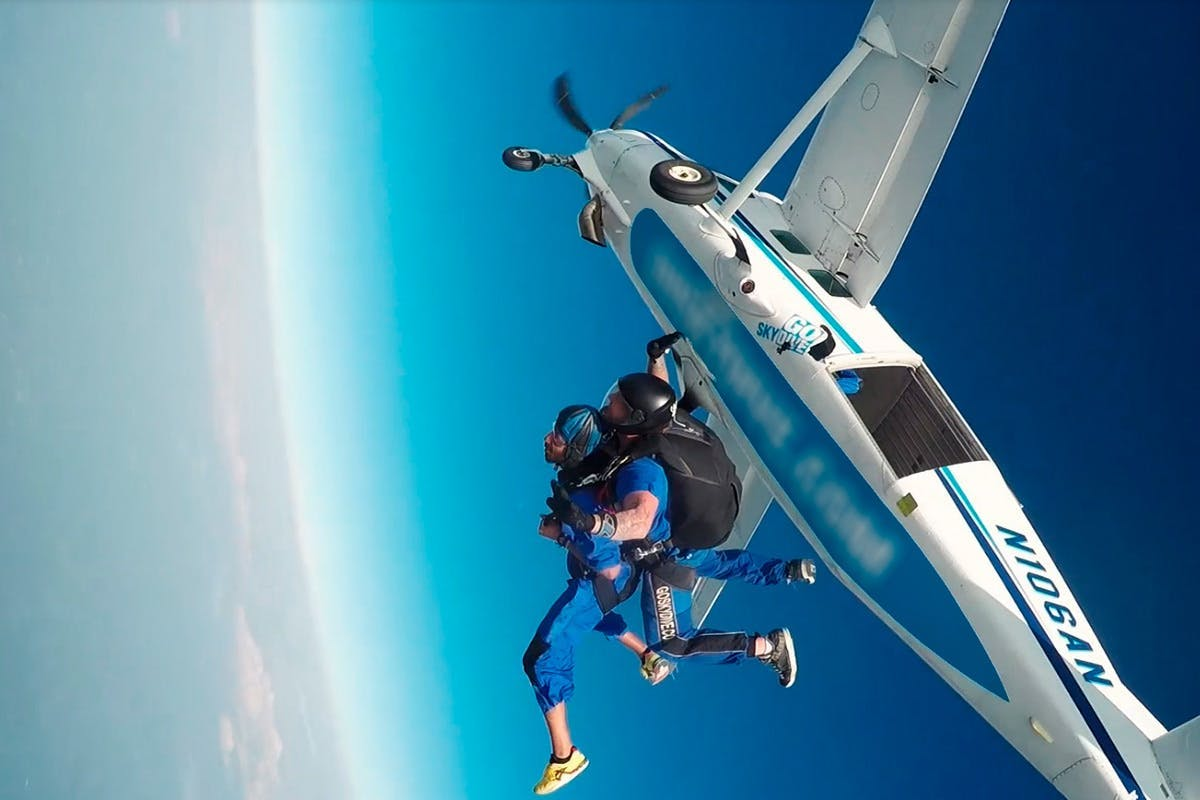 Ultimate skydive bucket list experience with Virgin Experience Days