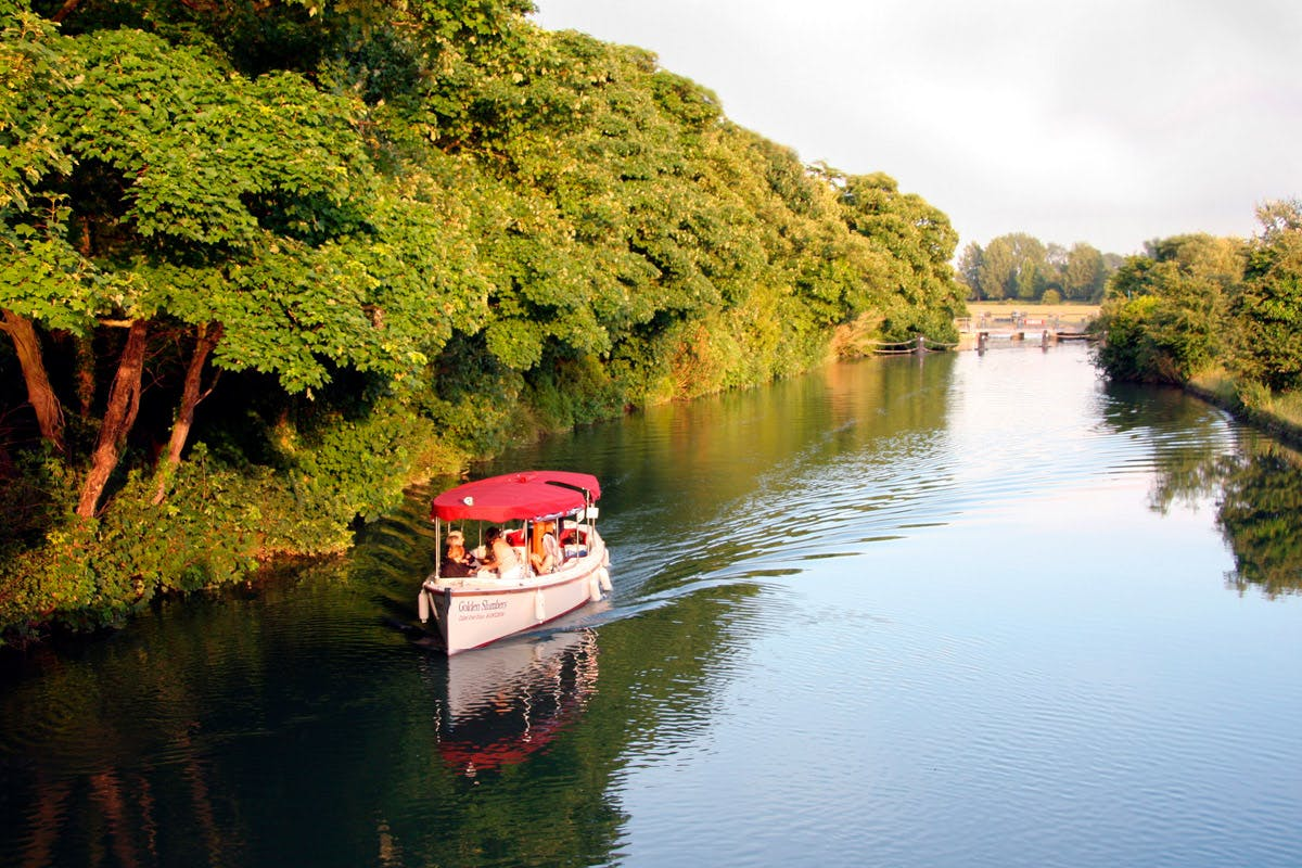 Oxford river cruise relaxing days out with Virgin Experience Days