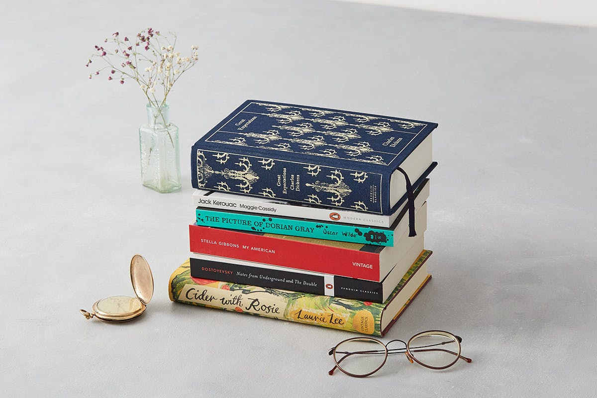3 Month Bespoke Book Subscription From The Willoughby Club Book   Virgin Experience Days Voucher
