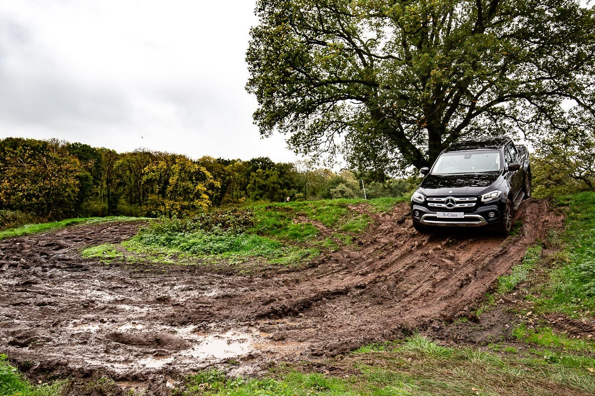 30 Minute Junior 4x4 Experience With Off Road Driver & Drive An Iconic Land Rover Defender Or Mercedes Benz X Class   Virgin Experience Days Voucher