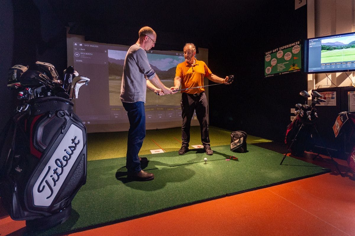 60 Minute Golf Lesson with an Advanced PGA Professional at the St. Andrews Indoor Golf Centre