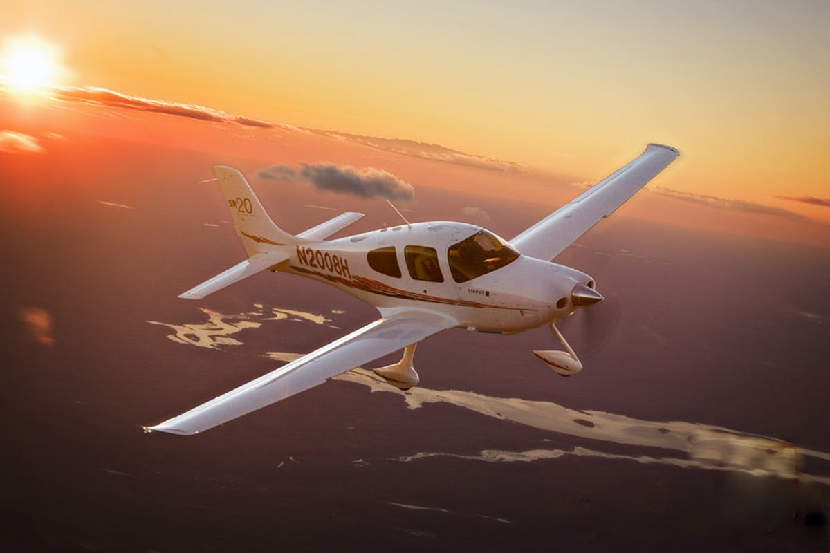 20 Minute Hands On Aeroplane Pilot Experience And Buffet Style Lunch   Virgin Experience Days Voucher