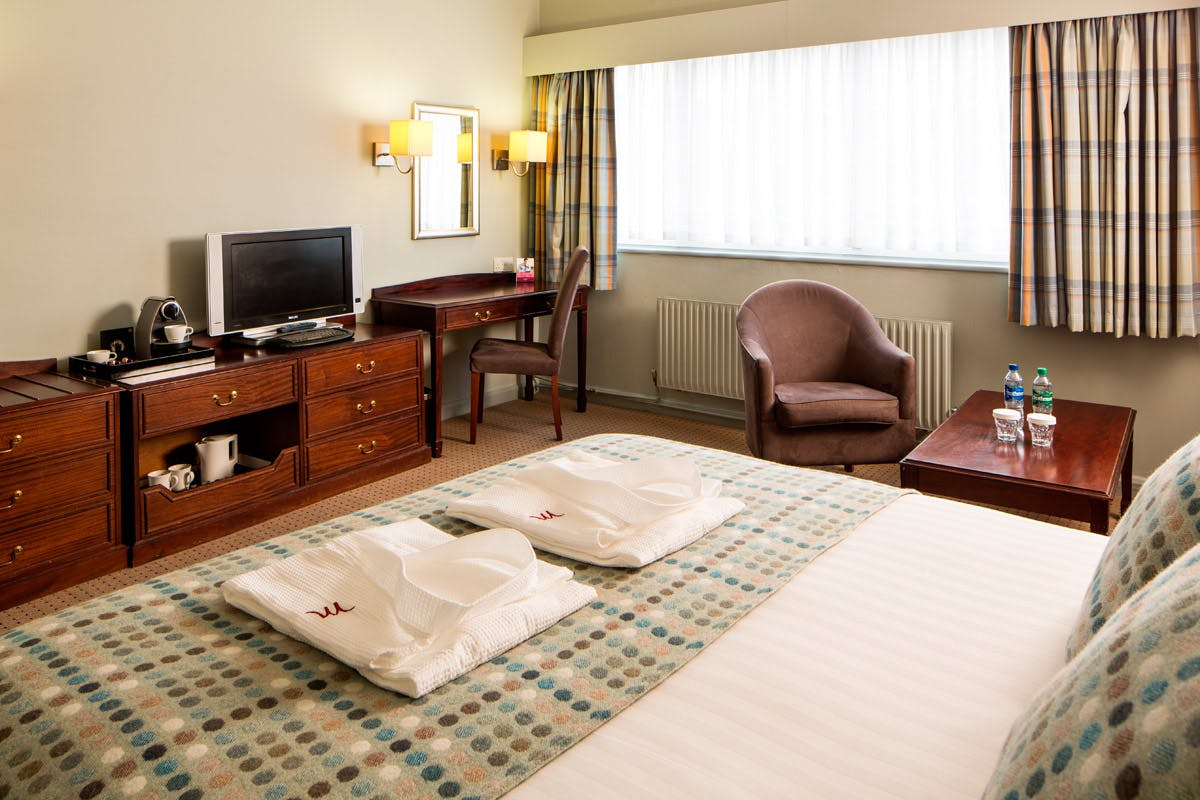 Two Night Break for Two at the Mercure Livingston Hotel