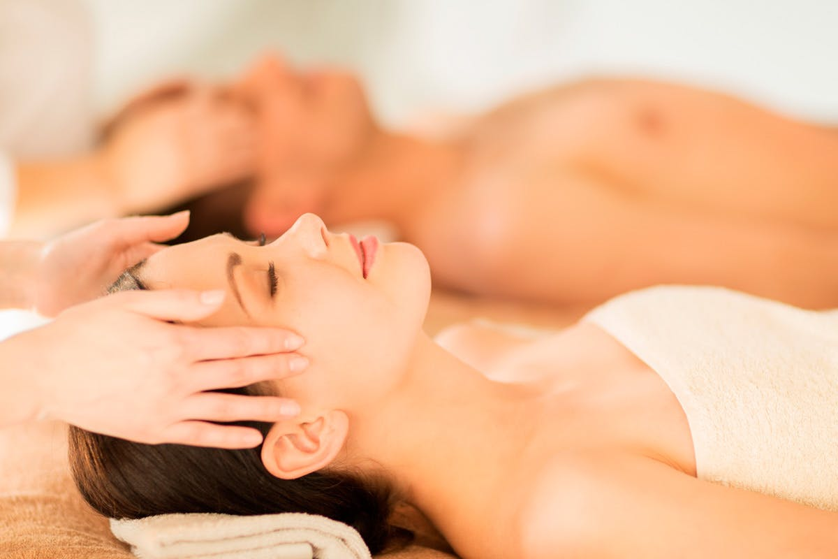 His and Hers Luxury Spa and Golf Break with Dinner at The Oxfordshire