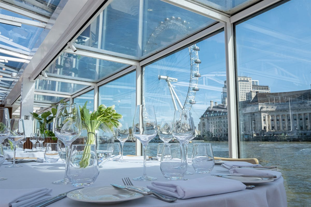 Bateaux London Three Course Sunday Lunch River Cruise with Wine and  Live Music for Two