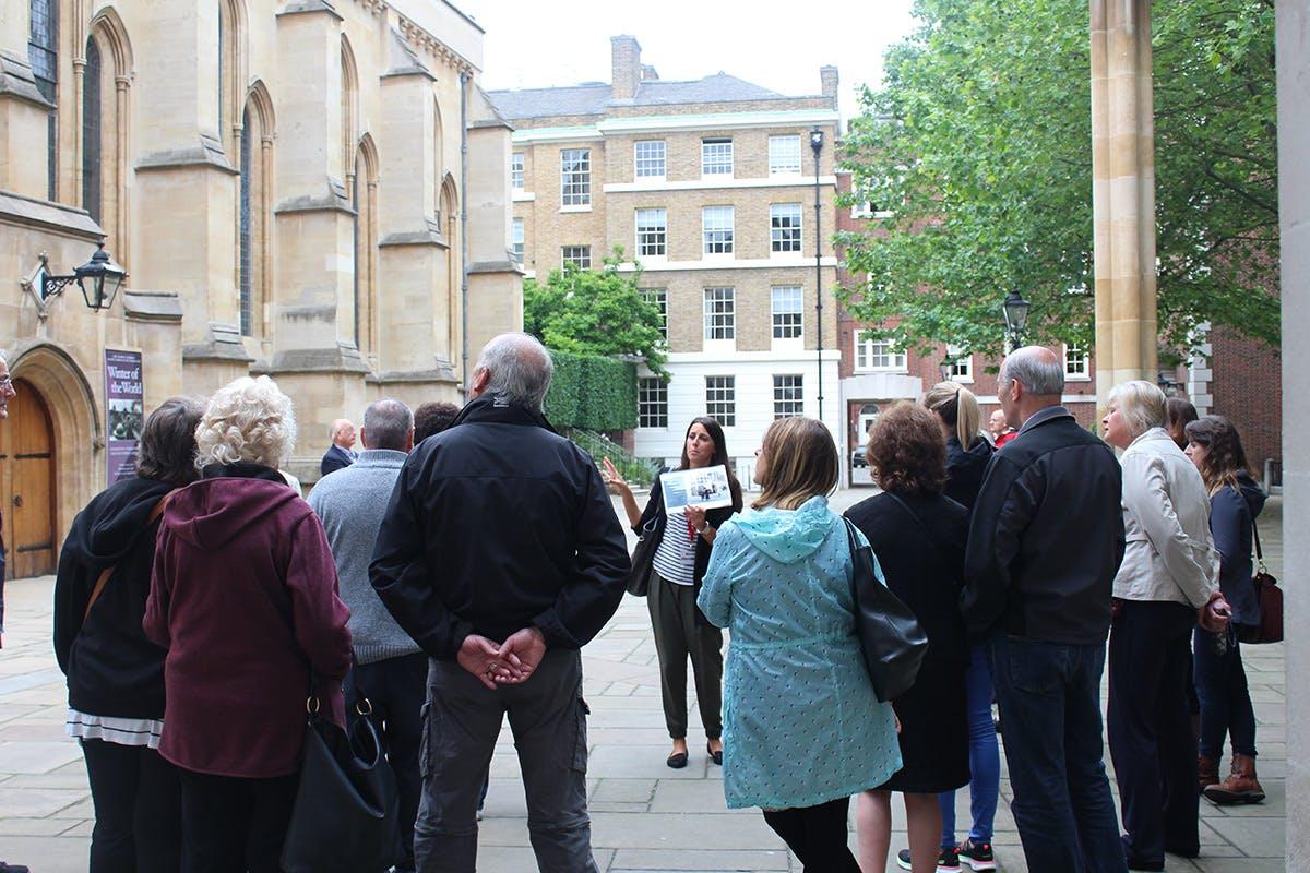 Tour con guida dei luoghi delle riprese di Downton Abbey a Londra