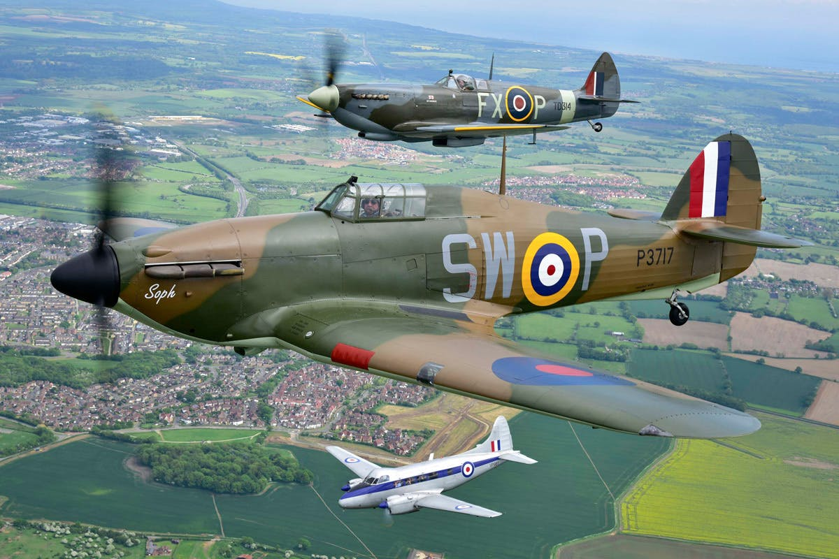 Fly Alongside a Spitfire and Battle of Britain Hurricane - Leeds Castle Tour