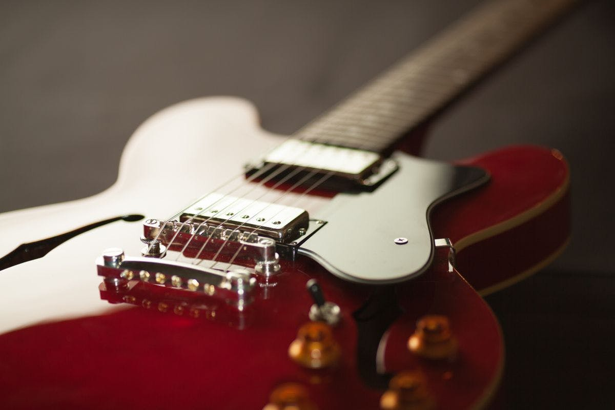 Learn the Guitar with One 1:2:1 Live Online Lesson