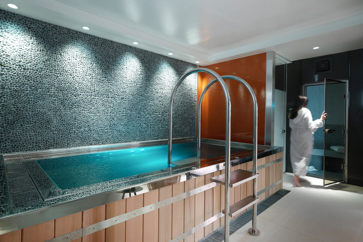 Luxury Midweek Spa Delight with Treatments, Lunch and Prosecco for Two at 5*Athenaeum Hotel, Mayfair