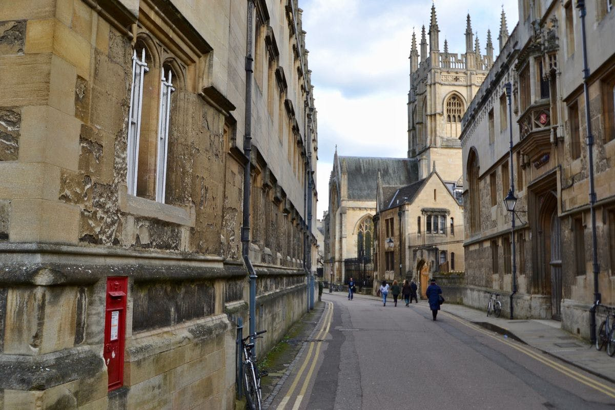 Official CS Lewis and JRR Tolkien Walking Tour of Oxford for Two