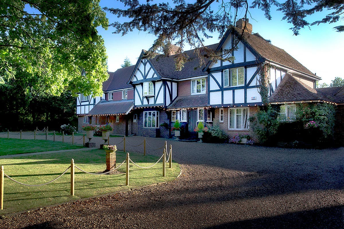 One Night Garden of England Escape with Dinner and Champagne for Two at Little Silver Country Hotel
