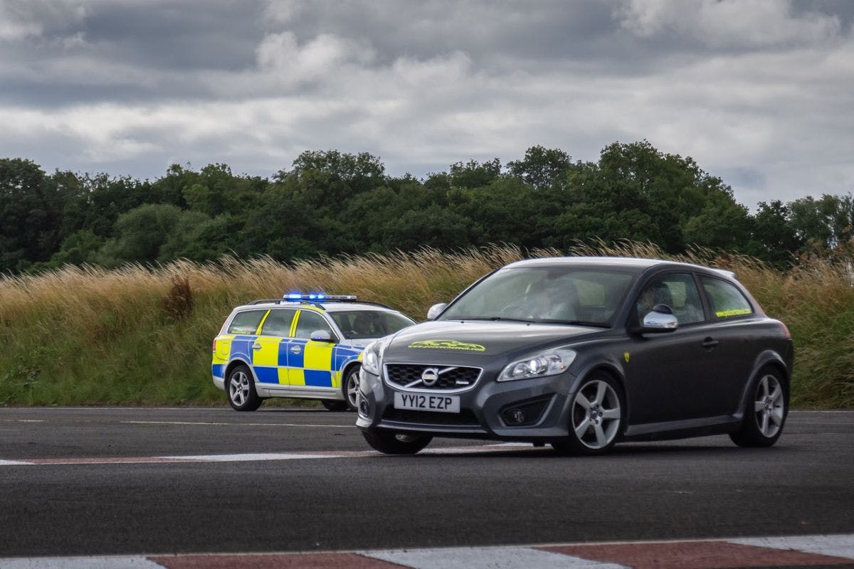 Police Tactical Pursuit and Containment Driving Thrill