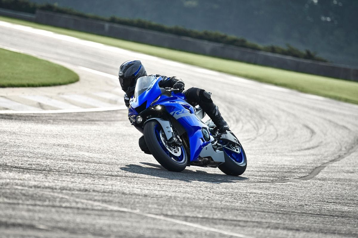 Ride a UK's Top Circuit with The Yamaha Motorcycle Track Experience