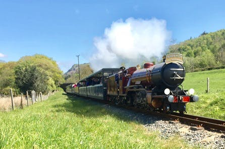 Eskdale Belle Vintage Steam Train Experience with Prosecco and Lunch for Two