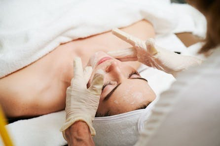 Face Place Ultimate Skin Detox Treatment at the 5* Rosewood or Harvey Nichols