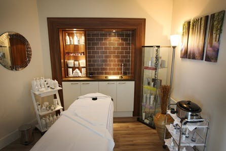 Relaxation Day with Indian Head Massage in Berkshire for One